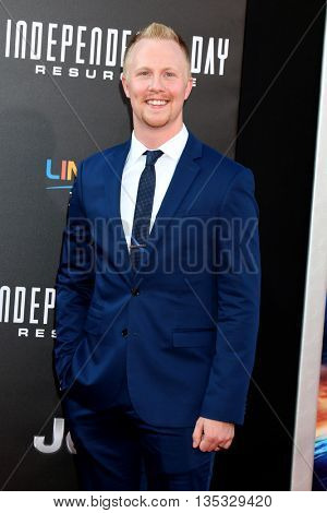 LOS ANGELES - JUN 20:  Nate Warren at the Independence Day: Resurgence LA Premiere at the TCL Chinese Theater IMAX on June 20, 2016 in Los Angeles, CA
