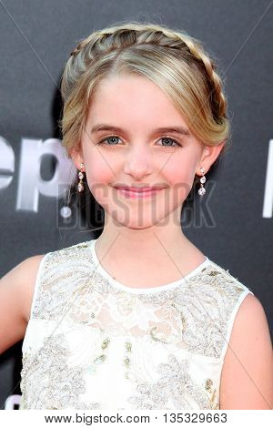 LOS ANGELES - JUN 20:  McKenna Grace at the Independence Day: Resurgence LA Premiere at the TCL Chinese Theater IMAX on June 20, 2016 in Los Angeles, CA