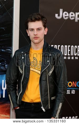 LOS ANGELES - JUN 20:  Travis Tope at the Independence Day: Resurgence LA Premiere at the TCL Chinese Theater IMAX on June 20, 2016 in Los Angeles, CA