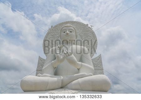 White Buddha statue - The attitude of giving the first sermon in