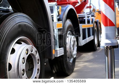 Large wheels of the new truck and detachable stand