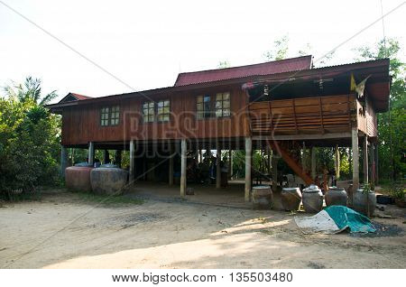 The traditional Thai home and living-Thai home Style stay in thailand long time ago