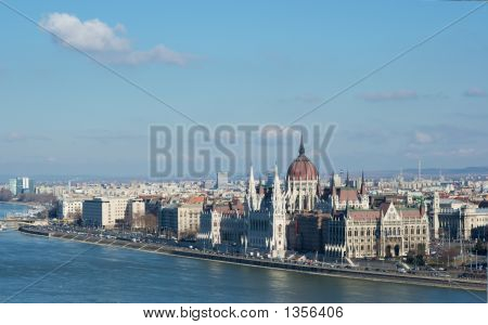 the hungarian parlament building in budapest bank of the danube poster