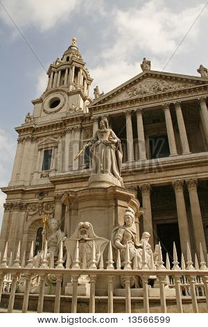 ral London city and Queen Victoria statue.St.Paul's Cathedral in London, built after The Great Fire Of London of 1666, is Christopher Wren's masterpiece and one of the foremost tourist attractions in London poster