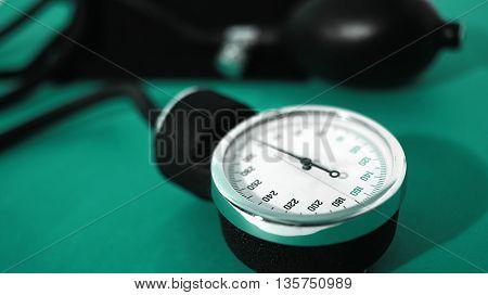 medical set for measuring blood pressure