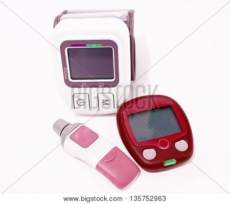 Blood pressure device and device for measuring blood sugar level