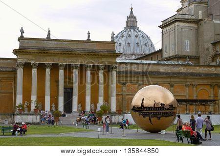 VATICAN CITY VATICAN - OCTOBER 4 2010: People Relaxing And Enjoying the Park Inside Vatican Museum