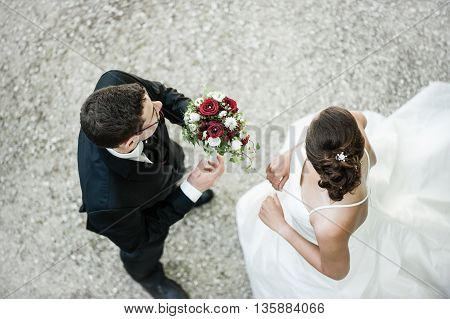 Traditional wedding / Couple in black and white dresses