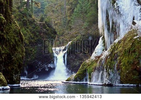 Icy Punchbowl Falls  Columbia River Gorge, Oregon, USA