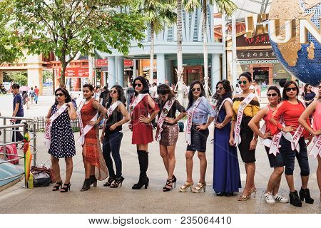 Sentosa Island, Singapore - January 18, 2018: Girls - Finalists Of The Beauty Contest, Posing For Th