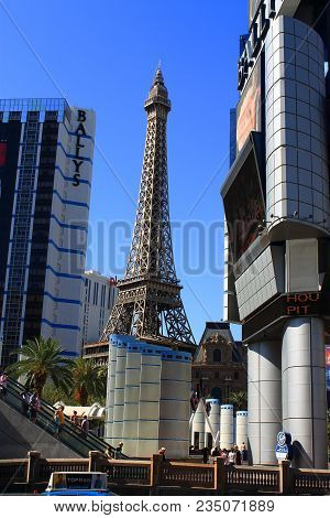 Las Vegas - July 3: Eiffel Tower At Paris Hotel And Casino On July 3, 2012 In Las Vegas, Nevada. Ope