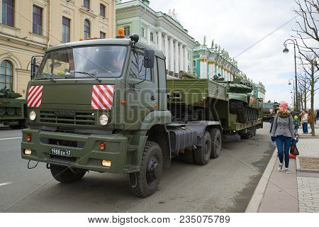 Saint Petersburg, Russia - May 07, 2017: Military Trailer Kamaz-65225 With The Tank On Palace Embank