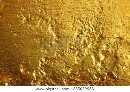 The Surface Roughness Of The Stone Walls Of Gold.