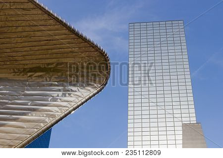 Rotterdam, The Netherlands - 7 April 2018: Modern Buildings And Architecture Of Dutch City Of Rotter