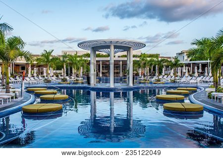 Cancun, Mexico - March 19, 2018: Main Adult Pool At The Unique Day Club, At The Grand At Moon Palace