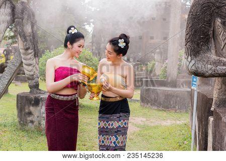 Laos Girls Splashing Water Songkran Tradition Festival Thai.asia Girl Wearing A National Laos Costum