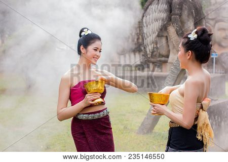 Laos Girls Splashing Water Songkran Tradition Festival Thai.asia Girl Wearing A National Laos Costum