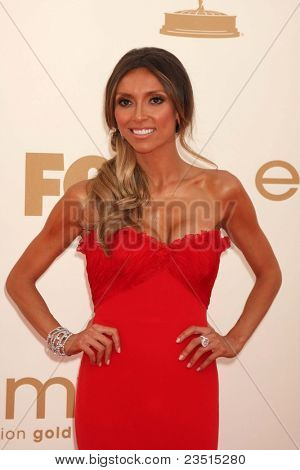 LOS ANGELES - SEP 18:  Giuliana Rancic arriving at the 63rd Primetime Emmy Awards at Nokia Theater on September 18, 2011 in Los Angeles, CA