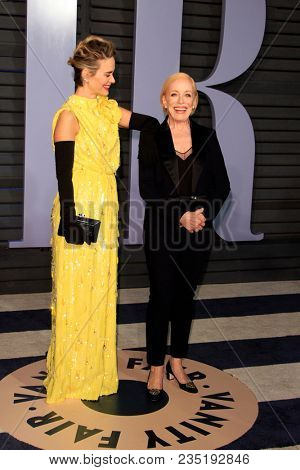 LOS ANGELES - MAR 4:  Sarah Paulson, Holland Taylor at the 24th Vanity Fair Oscar After-Party at the Wallis Annenberg Center for the Performing Arts on March 4, 2018 in Beverly Hills, CA