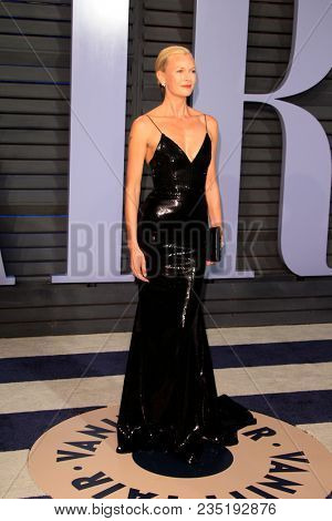 LOS ANGELES - MAR 4:  Sarah Murdoch at the 24th Vanity Fair Oscar After-Party at the Wallis Annenberg Center for the Performing Arts on March 4, 2018 in Beverly Hills, CA