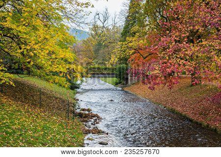 Baden-baden, Deutschland, Herbst In Der Lichtentaler Allee An Der Oos