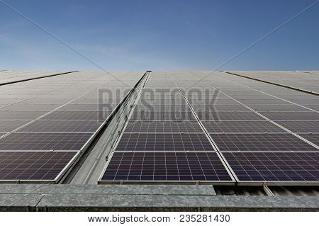 Concept Solar Farm, An Alternative Energy Cell For The Future.
