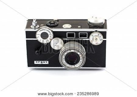 Springfield, Or - April 6, 2018: Argus Range Finder 35mm Film Camera Against An Isolated White Backg