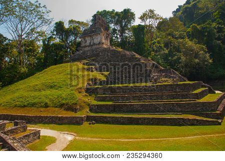 Huge Pyramid. Landscape Of The Ancient City Of Maya. Ancient Templates Mayan Ruins Of Palenque - Chi
