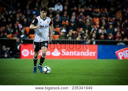 VALENCIA, SPAIN - APRIL 8: Carlos Soler during Spanish La Liga match between Valencia CF and RCD Espanyol at Mestalla Stadium on April 8, 2018 in Valencia, Spain