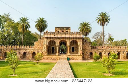 Entrance Of Isa Khan Tomb At The Humayun Tomb Complex In Delhi - India