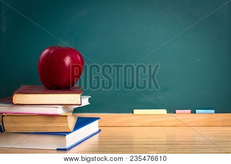 Apple Still Life Back To School Blackboard Education Chalkboard Chalkboard Background