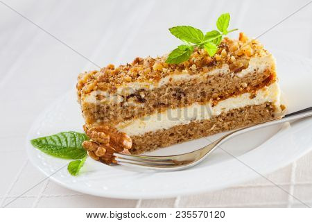 pie with nuts and cream - sweet food