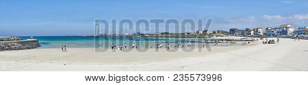 Jeju, Korea - May 22, 2017: Woljeongri Beach And Cafe Street. The Beach Is Famous For Clean And Fine