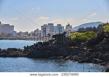 Jeju, Korea - May 22, 2017 : Yongduam Rock. Yongduam Is A Dragon Head-like Rock And A Famous Attract