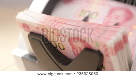 Counting money machine for RMB