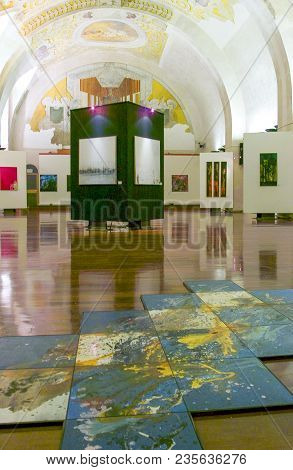 Palermo, Italy - September 26, 2005:  Sicily Island,  Paintings Exhibition In The Dei Normanni Palac