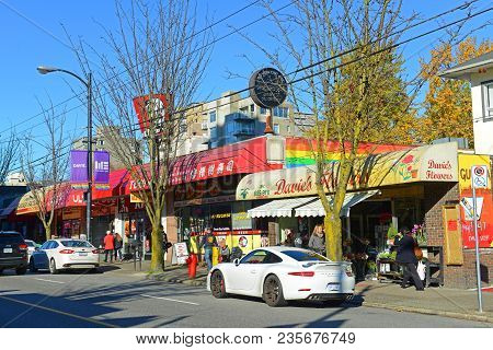 Vancouver - Nov 11, 2014: Davie Village Street View On Davie Street Between Bute And Thurlow Street
