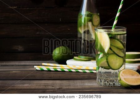 Refreshing Summer Lemonade With A Lime And A Lime