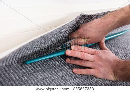 Carpet Fitter Fitting Carpet