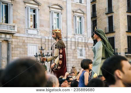 Barcelona, Spain - May 29, 2016: Giant Puppets Gigantes And Viewers Of Corpus Christi Festival.