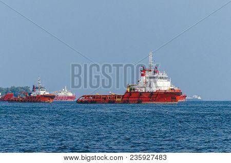 Labuan,malaysia-april 2,2018:offshore Oil & Gas Sea Construction & Support Vessels In Labuan,malaysi