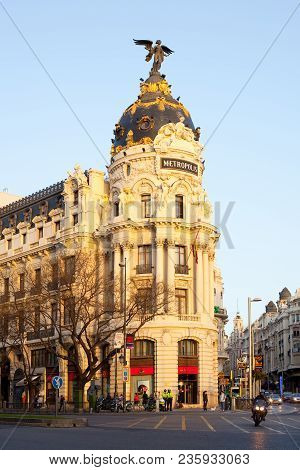 Madrid, Spain - April 5, 2010: Gran Via And The Iconic Metropolis Building Sourrounded By Trational