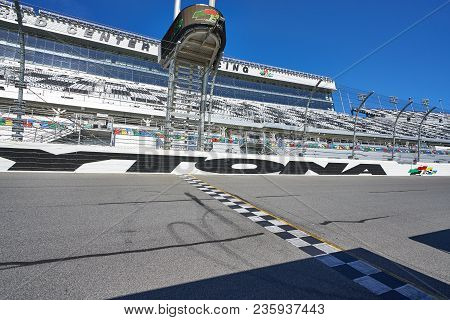 Daytona, Florida/usa - January 16 2018: The Ending Finish Line At A Racetrack In Florida. The Asphal