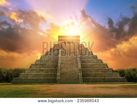 Chichen Itza, Mayan Pyramid Of Kukulcan El Castillo At Sunset