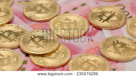 Bitcoin and RMB in rotation