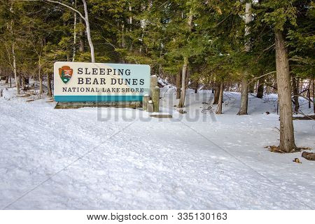 Glen Arbor, Michigan, Usa - March 11, 2019: Entrance Sign To The Sleeping Bear Dunes National Lakesh