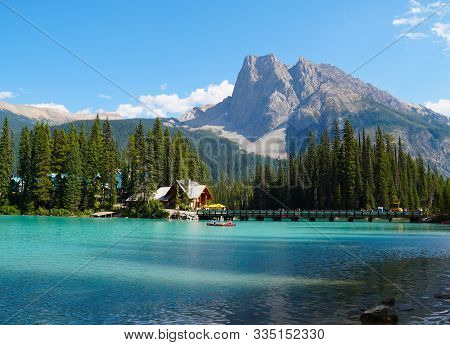 Its Hard To Beat A Beautiful Summer Day In Banff National Parks Moraine Lake