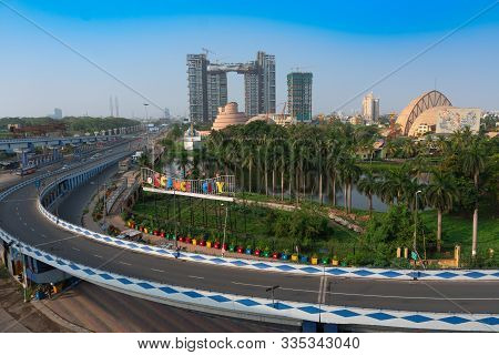 Kolkata, West Bengal,india- January 1st 2016 : Ma Or Maa Flyover, Is A 4.5 Kilometer Long Flyover In