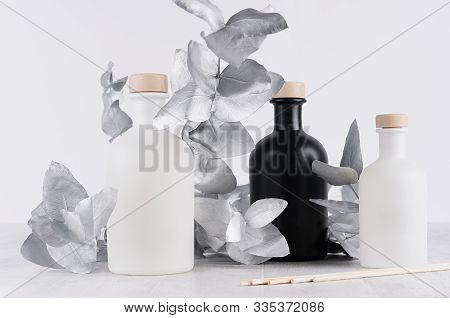 Modern Exquisite Decoration For Home Interior - Blank Glass White, Black Bottles With Beige Bungs, S