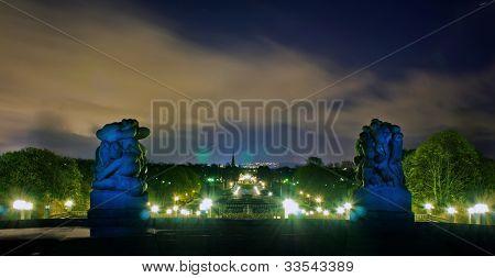 light painting of vigelands parken